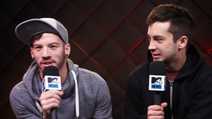 MTV News - Twenty One Pilots Two Tips for Summer Festivals
