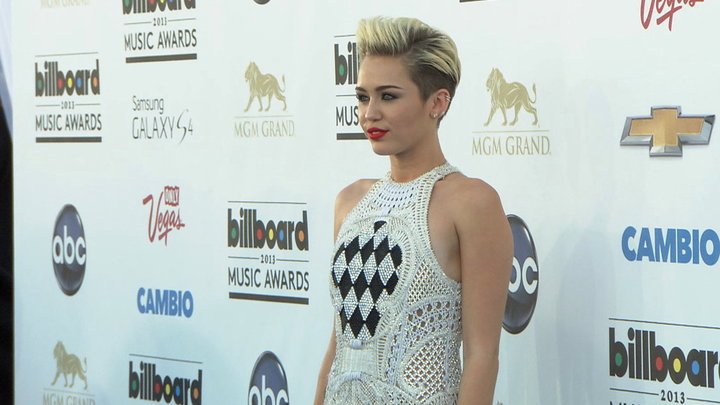 Access Hollywood - Billboard Music Awards 2013: Miley Cyrus So Excited for Her New Single