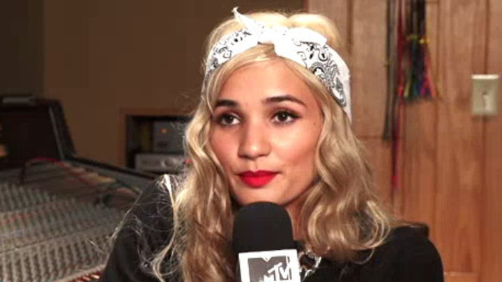 MTV News - In the Studio With: Pia Mia
